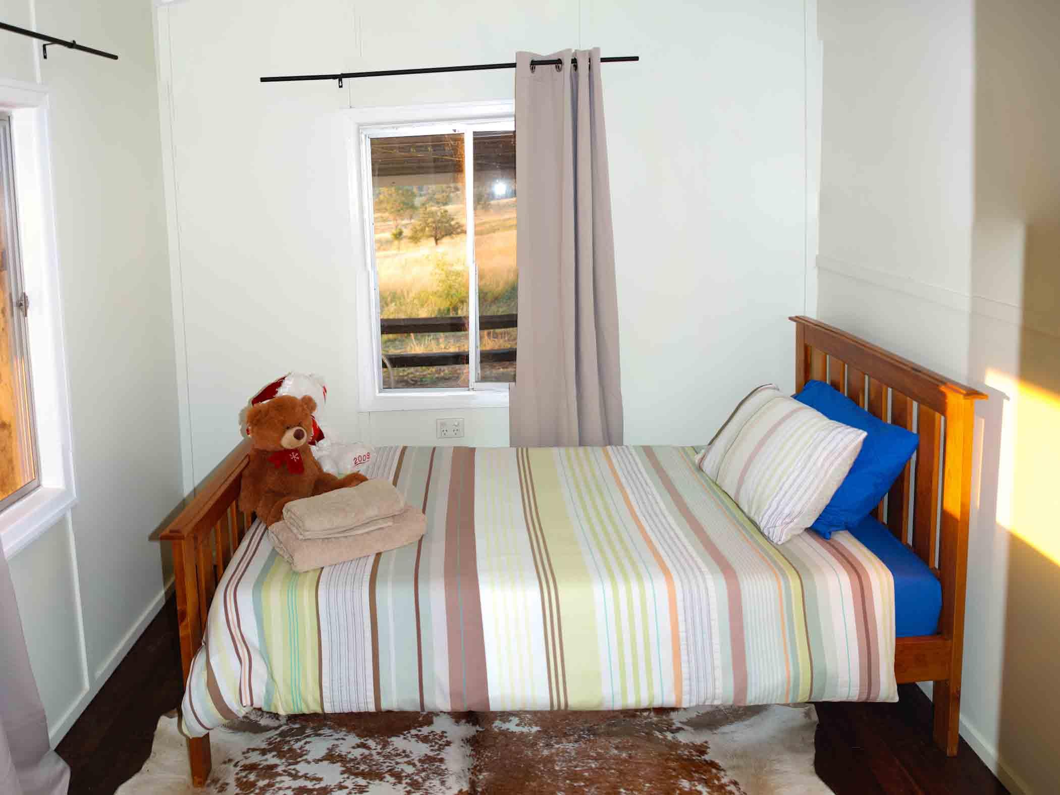 Jerakala Queen Bedroom 2